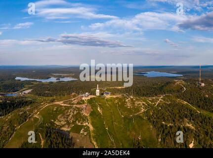 Luftaufnahme von Ruka Ski Resort in Finnland im Sommer - Stockfoto