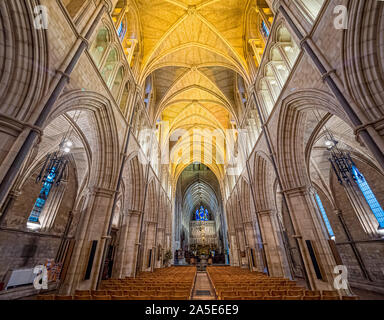 Innenraum der Southwark Cathedral (die Kathedrale und die Stiftskirche St. Retter und St Mary Overie), Southwark, London, UK. - Stockfoto