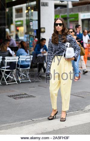 Mailand fashion week spring/summer street style 2020 - Stockfoto