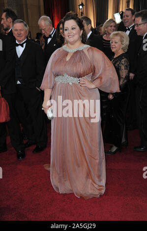 LOS ANGELES, Ca. Februar 26, 2012: Melissa McCarthy auf der 84. jährlichen Academy Awards im Hollywood & Highland Theater, Hollywood. © 2012 Paul Smith/Featureflash - Stockfoto