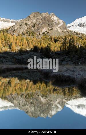 Alpen Landschaft im Herbst Saison - Stockfoto