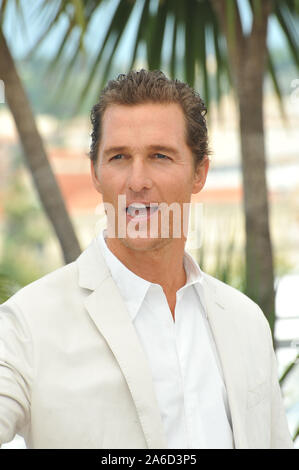 """CANNES, Frankreich. 26. Mai 2012: Matthew McConaughey am Fotoshooting für seinen neuen Film """"ud"""" im Wettbewerb auf der 65th Festival de Cannes. © 2012 Paul Smith/Featureflash"""