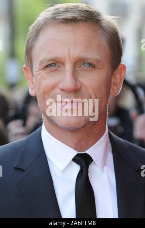 """Daniel Craig. Premiere von """"Flash Back ein Narr', Empire Leicester Square, London. Großbritannien - Stockfoto"""