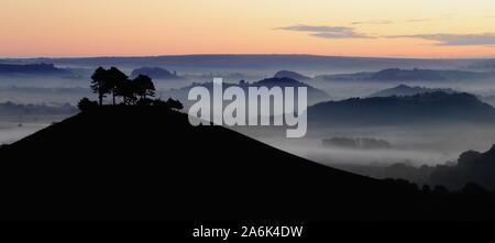 Misty Morning über Census von Hill in West Dorset