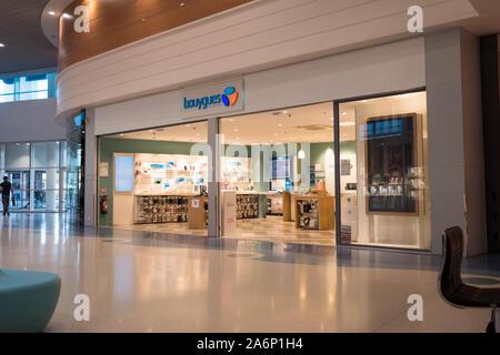 Bouygues Telecom store Fassade in Sainte Marie de la Mer, Frankreich, 14-8-19 - Stockfoto