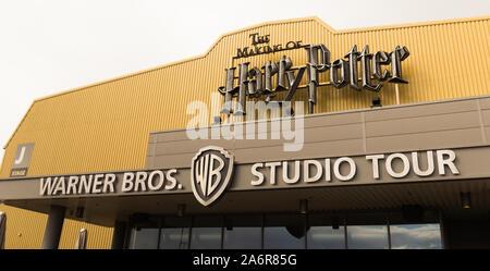 Mai 2019, Warner Bros. Studio Tour London - die Herstellung von Harry Potter (England, UK). Scharfe Nahaufnahme der Eingang des Spot in Leavesden entfernt. - Stockfoto