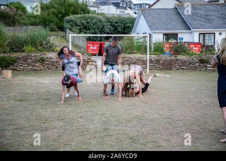Kinder, die Spaß am Strand - Stockfoto