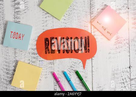 Text Zeichen angezeigt. Business Foto Aktion Text der Revision über jemanden wie Rechnungsprüfung oder Buchhaltung Ballpoints Stifte leer farbige Rede bubbl - Stockfoto