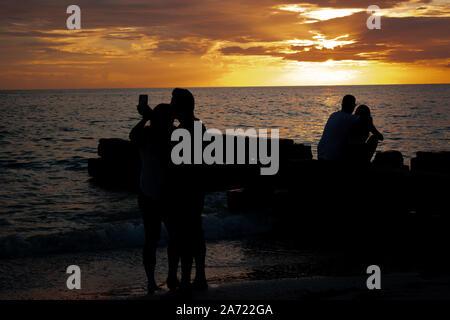 Paare und Familien genießen, Golfküste Florida Abende - Stockfoto