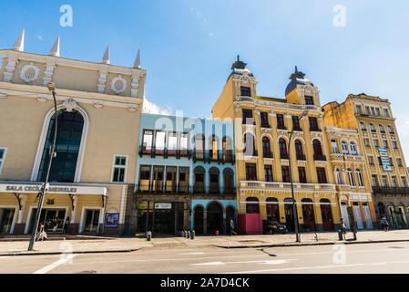 Rio de Janeiro, Brasilien - 28. Februar 2018: alte Häuser in Lapa und Santa Teresa - Stockfoto