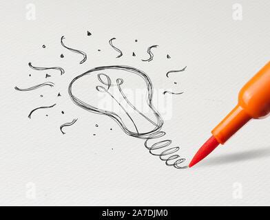 Bleistiftzeichnung neue Idee Glühbirne auf weißem Papier - Stockfoto