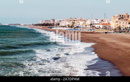 Strand von Torremolinos in Málaga. - Stockfoto