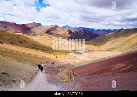 Rainbow Moutain, Peru. - Regenbogen Berg in Peru ist eine spektakuläre Felsformation in ein paar Stunden von Cusco - Stockfoto