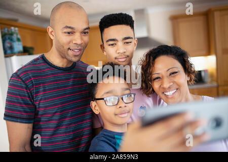 Familie selfie in der Küche - Stockfoto