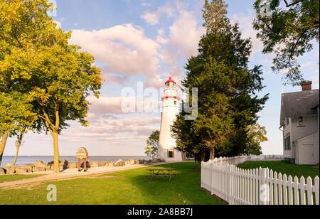 Marblehead Lighthouse Keepers House, Marblehead Lighthouse State Park, Ohio Reise und Tourismus landschaftlich schöne Landschaft Bild mit hoher Auflösung - Stockfoto