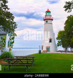 Marblehead Lighthouse State Park am Erie See, Marblehead, Ohio, September 2018. Der älteste Leuchtturm der Großen Seen im Dauerbetrieb, seit 182 - Stockfoto