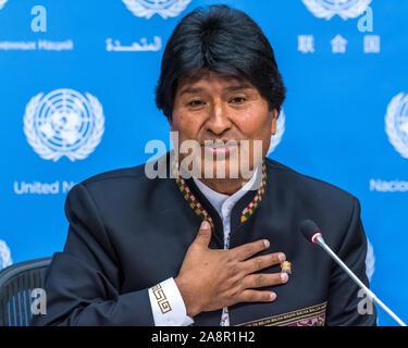 New York, USA, 22. September 2016. Bolivianische Präsident Evo Morales trat am 10. November 2019 Nach der militärischen heißt für ihn, dies zu tun und die Verbündeten verlassen ihn nach einer umstrittenen Wahl. Morales ist auf einer Pressekonferenz gesehen während der Teilnahme an der Generalversammlung der Vereinten Nationen in New York City im Jahr 2016. Credit: Enrique Ufer/Alamy Stock Foto - Stockfoto