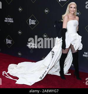 Sängerin Gwen Stefani tragen Vera Wang kommt an der 2019 E! Der Menschen Choice Awards gehalten an Barker Hangar am 10. November 2019 in Santa Monica, Los Angeles, Kalifornien, USA. (Foto von Xavier Collin/Image Press Agency) - Stockfoto