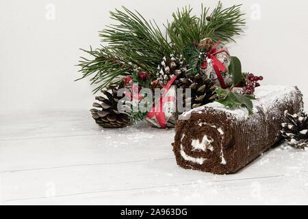 Festliche yule mit Weihnachtsschmuck anmelden - Stockfoto