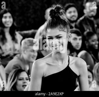 Santa Monica, CA, USA - 10.November 2019: Zendaya besucht die 45. jährliche People's Choice Awards auf der Barker Hangar - Stockfoto