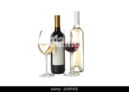 Flaschen und Gläser mit Wein auf weißem Hintergrund - Stockfoto