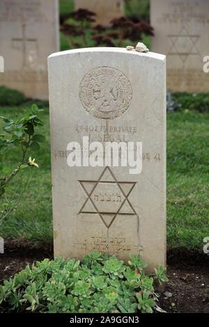 Krieg Grab eines gefallenen jüdischen Soldaten der London Scottish Regiment in British and Commonwealth Soldatenfriedhof in der Nähe von Monte Cassino Cassino Italien - Stockfoto