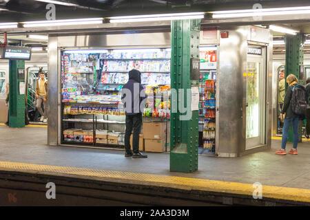 Die U-Bahnstation 14th Street, New York City, Vereinigte Staaten von Amerika. - Stockfoto