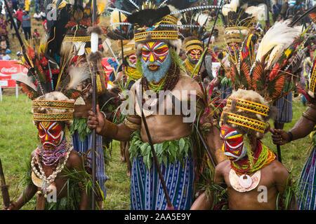 Vater mit zwei Söhnen von kunga Stamm - Stockfoto
