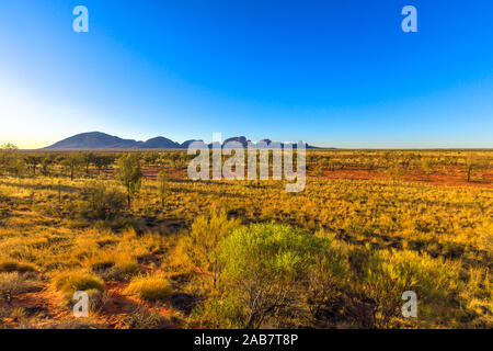 Mount Olga (Kata Tjuta) im Uluru-Kata Tjuta National Park, UNESCO-Weltkulturerbe, australische Outback, Northern Territory, Australien, Pazifik Stockfoto