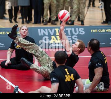 Prinz Harry starten der Invictus Games, ein internationales Sportereignis für Verwundete, Verletzte und Kranke service Personal in der Copperbox im Queen Elizabeth Olympic Park. März 2014 - Stockfoto
