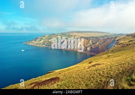 Alum Bay und die Nadeln Park auf der Isle of Wight. - Stockfoto