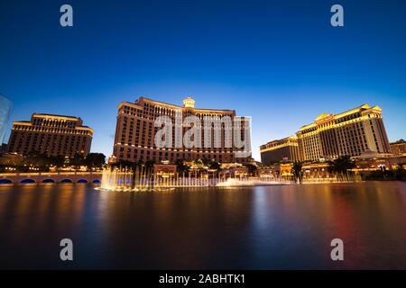 LAS VEGAS, USA - JUNI 2: Fountain Show im Bellagio Hotel und Casino am 2. Juni 2016 in Las Vegas, USA. Las Vegas ist eine der wichtigsten touristischen Destination