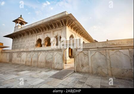 Khas Mahal Palast aus Marmor in Agra Fort bei Sonnenuntergang in Indien - Stockfoto