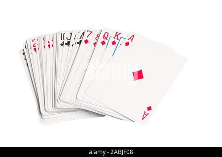 Ein Satz oder ein Deck von Standard Karten gegen einen weißen Hintergrund. - Stockfoto