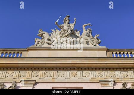 Fassadenfigur, Deutsches Historisches Museum, Unter den Linden, Mitte, Berlin, Deutschland - Stockfoto