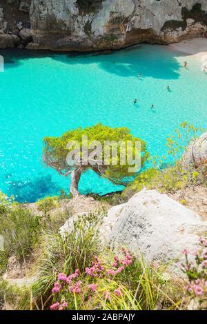 Die Vew Cala Macarelleta, Menorca, Balearen, Spanien, Europa - Stockfoto