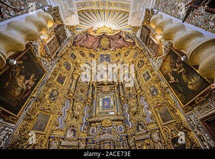 Reich verzierte VERÄNDERN IM 18. JAHRHUNDERT IGLESIA DE SAN LUIS DE LOS FRANCESES, Sevilla, Spanien - Stockfoto