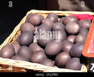 Schwarze Eier