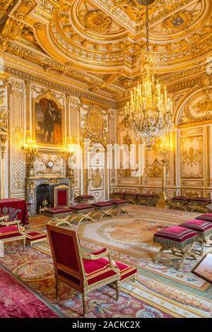 Fontainebleau, Frankreich, 30. März 2017: Fontainebleau Palace Zimmer Innenräume. Chateau war einer der wichtigsten Schlösser der französischen Könige National Museum und ein - Stockfoto