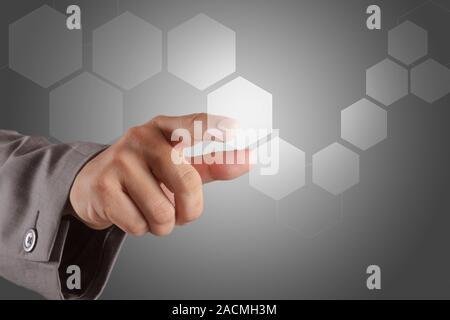 Hand schieben ein Virtual Touch Screen Schnittstelle - Stockfoto