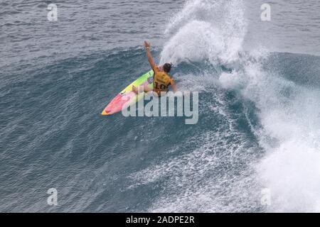 Carissa Moore gewann den 2019 Frauen surfen Titel im Maui Pro Surf Wettbewerb. - Stockfoto