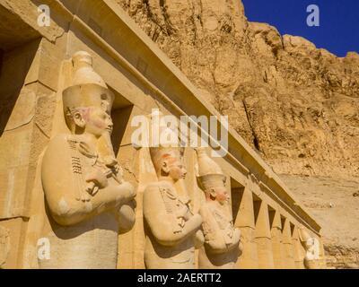Leichenhalle Tempel der Hatschepsut, Luxor, Ägypten - Stockfoto