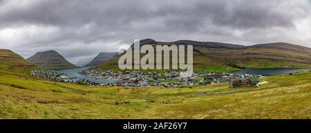 Klaksvik Stadt auf der Insel Bordoy Panorama, Färöer, Dänemark - Stockfoto