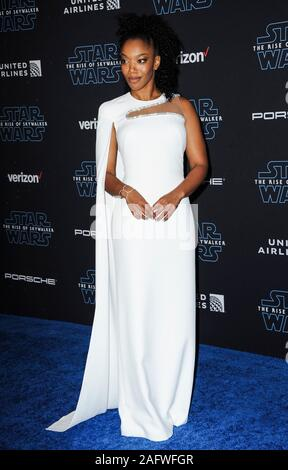 Los Angeles, CA. 16 Dez, 2019. Naomi Ackie in der Ankunftshalle für STAR WARS: der Aufstieg von Skywalker Premiere, El Capitan Theatre, Los Angeles, CA 16. Dezember 2019. Credit: Elizabeth Goodenough/Everett Collection/Alamy leben Nachrichten - Stockfoto