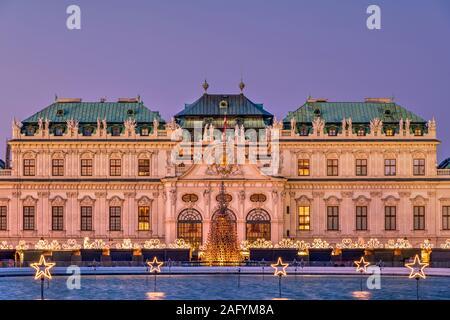 Weihnachtsbeleuchtung, Oberes Belvedere, Wien, Österreich