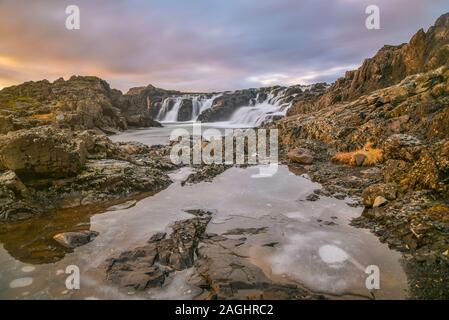 Langarfoss Wasserfall auf der Halbinsel Snaefellsnes, Island. - Stockfoto