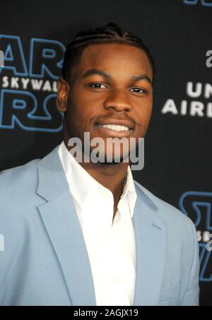 Hollywood, Kalifornien, USA, 16. Dezember 2019 Schauspieler John Boyega besucht Lucasfilm die Weltpremiere von 'Star Wars: Der Aufstieg der Skywalker' am 16 Dezember, 2019 in Hollywood, Kalifornien, USA. Foto von Barry King/Alamy Stock Foto - Stockfoto