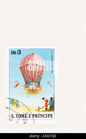 Stempel in 1979, zum Gedenken an die Arbeit der Ballonfahrer Baron von Luetgendorf, mit seinem Wasserstoff Ballon von 1786 - Stockfoto