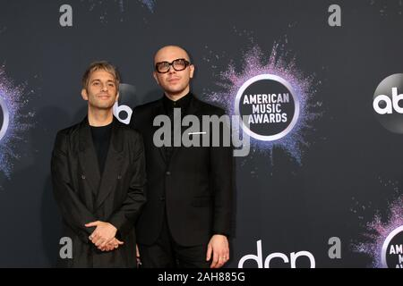 47 American Music Awards - Ankunft bei Microsoft Theater am 24 November, 2019 in Los Angeles, CA bietet: eine große grosse Welt - Tschad König, Ian Axel Wo: Los Angeles, Kalifornien, Vereinigte Staaten, wenn: 24. Nov. 2019 Credit: Nicky Nelson/WENN.com - Stockfoto
