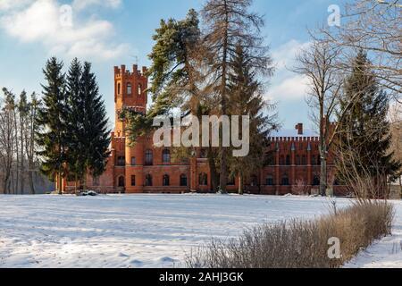 Sorkwity, neogotische Palast aus dem Jahr 1860, Woiwodschaft Ermland-Masuren, Polen - Stockfoto